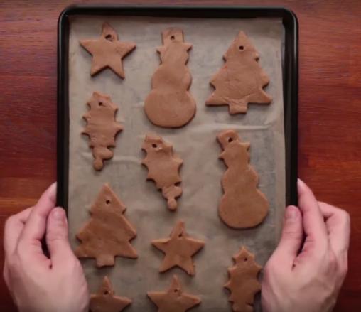 ¿Cómo hacer galletas navideñas con pan de jengibre?